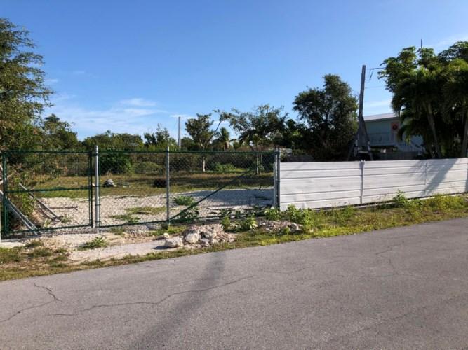 31427 Avenue C, Big Pine Key, FL 33043