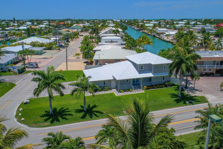 948 W Ocean Drive, Key Colony, FL 33051