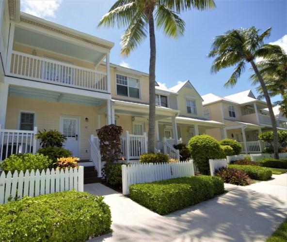 5027 Sunset Village Drive, Duck Key, FL 33050