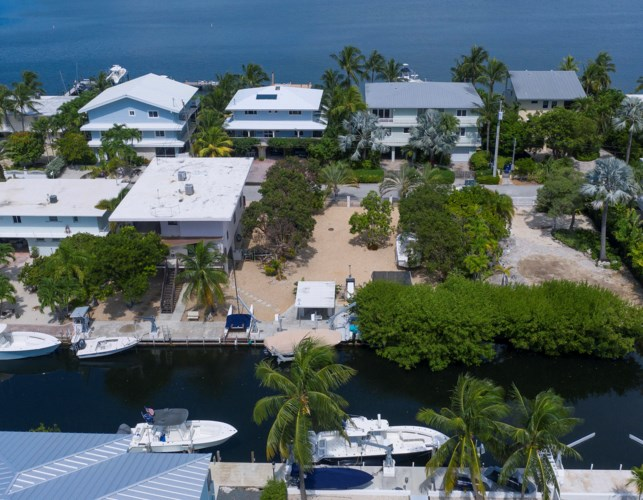S Coconut Palm Boulevard, Plantation Key, FL 33070