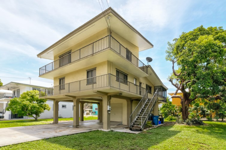 65 Snapper Avenue, Key Largo, FL 33037
