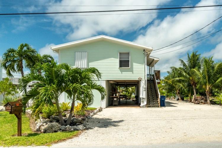 52 Lobstertail Road, Big Pine Key, FL 33043