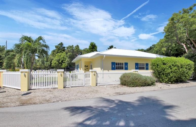 215 Jerome Avenue, Upper Matecumbe Key Islamorada, FL 33036
