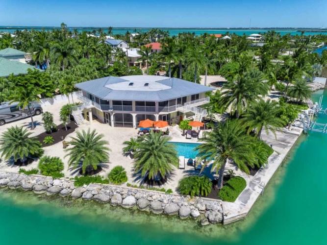 17138 W Dolphin Street, Sugarloaf Key, FL 33042