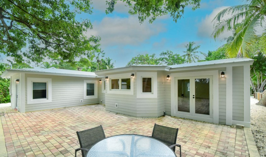 110 Gumbo Limbo Road, Plantation Key, FL 33036