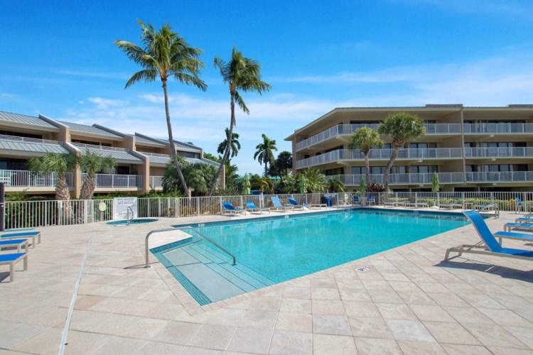 1133 W Ocean Drive, Key Colony, FL 33051