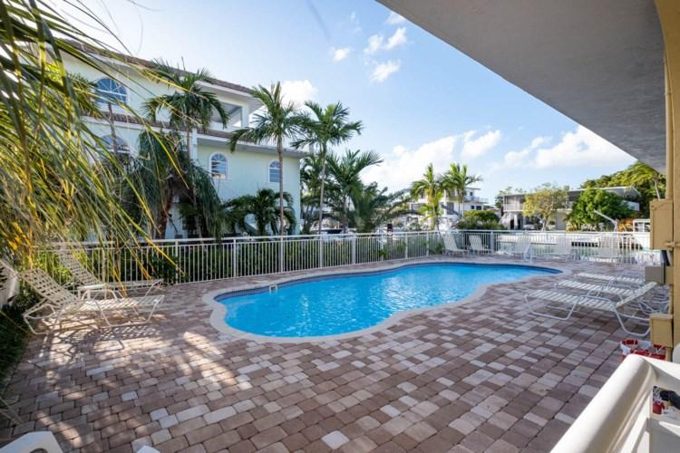 121 Villa Bella Drive, Plantation Key, FL 33036