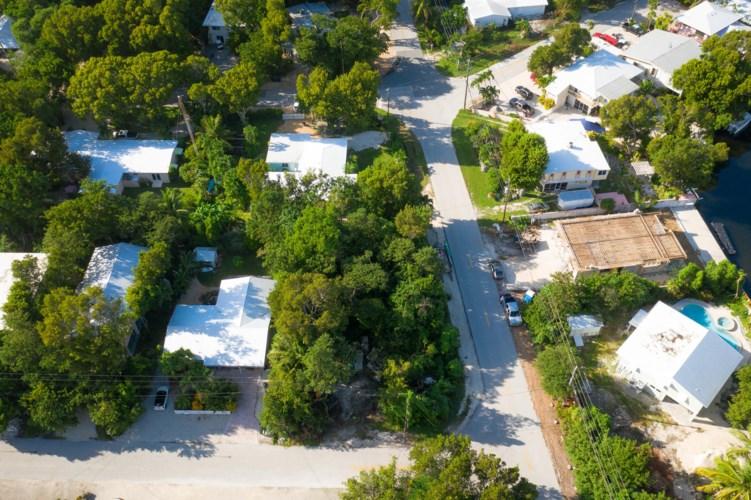 Pueblo Street, Plantation Key, FL 33070
