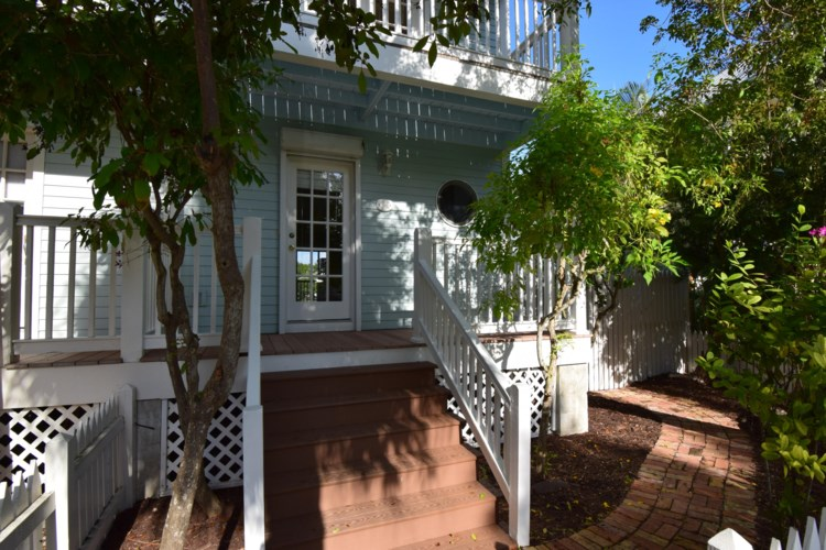 19 Kingfisher Lane, Key West, FL 33040