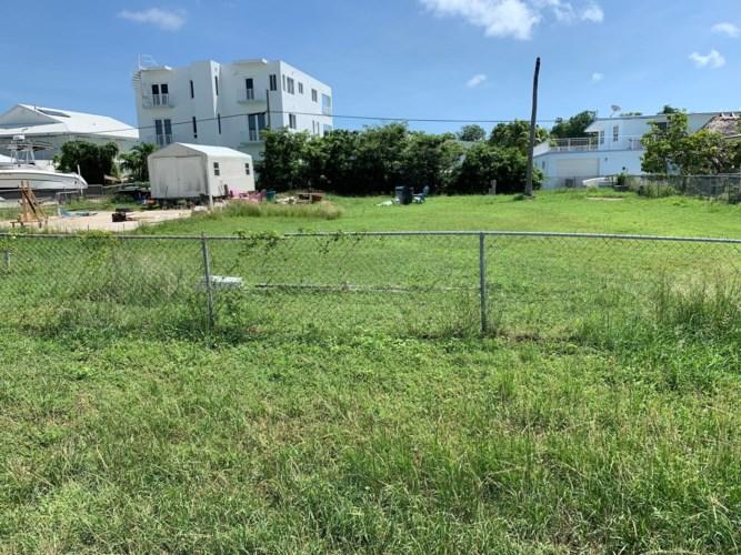 114 Pearl Avenue, Plantation Key, FL 33070