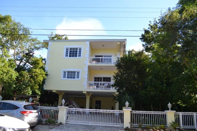 235 Buttonwood Shores Drive, Key Largo, FL 33037