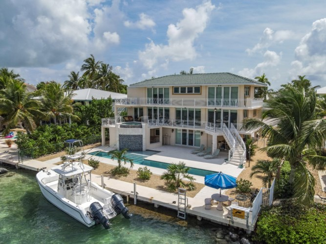 426 Harbour Drive, Duck Key, FL 33050