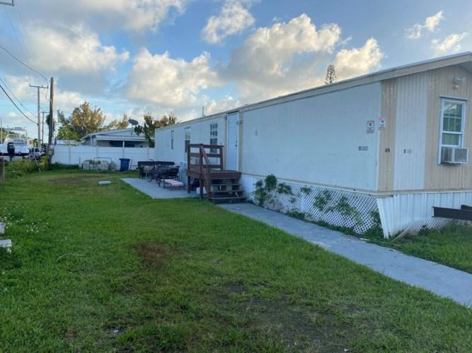D25 10Th Avenue, Stock Island, FL 33040