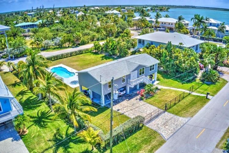 17220 Oleander Lane, Sugarloaf Key, FL 33042
