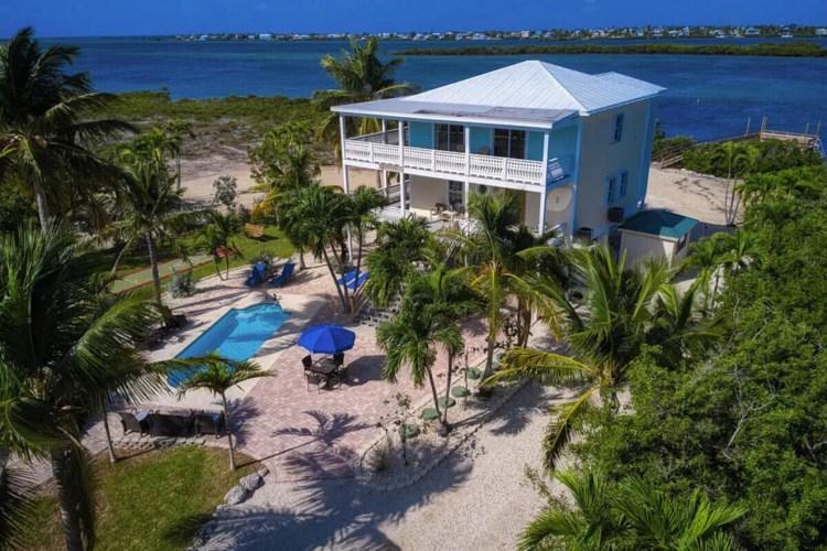 3 Kings Cove Road, Little Torch Key, FL 33042