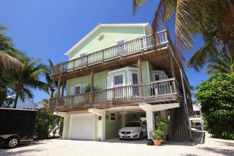 27425 Guadaloupe Lane, Ramrod Key, FL 33042