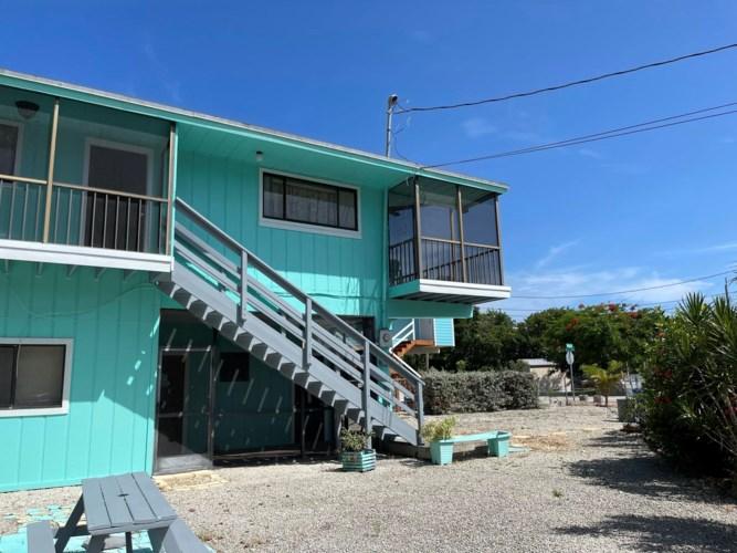 2 Pine Avenue, Key Largo, FL 33037