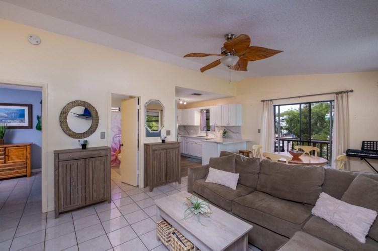 32 Gumbo Limbo Avenue, Key Largo, FL 33037