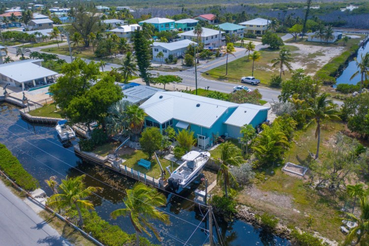 1735 Watson Boulevard, Big Pine Key, FL 33043