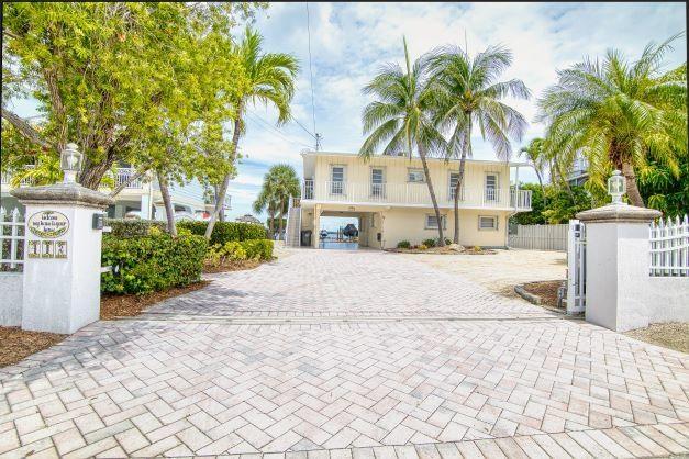412 S Coconut Palm Boulevard, Plantation Key, FL 33070