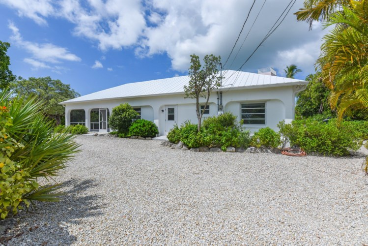 17224 E Green Turtle Lane, Sugarloaf Key, FL 33042