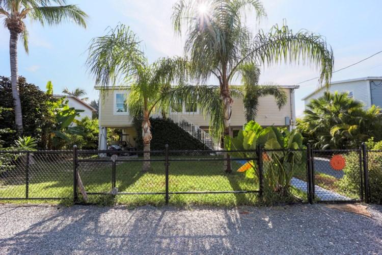 886 Loggerhead Lane, Sugarloaf Key, FL 33042