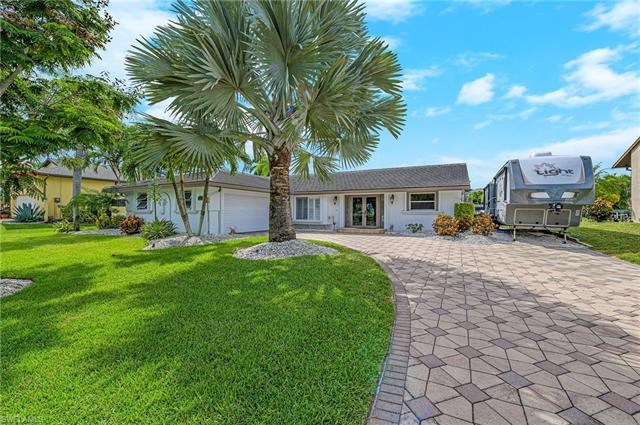 27126 Harbor DR, BONITA SPRINGS, FL 34135
