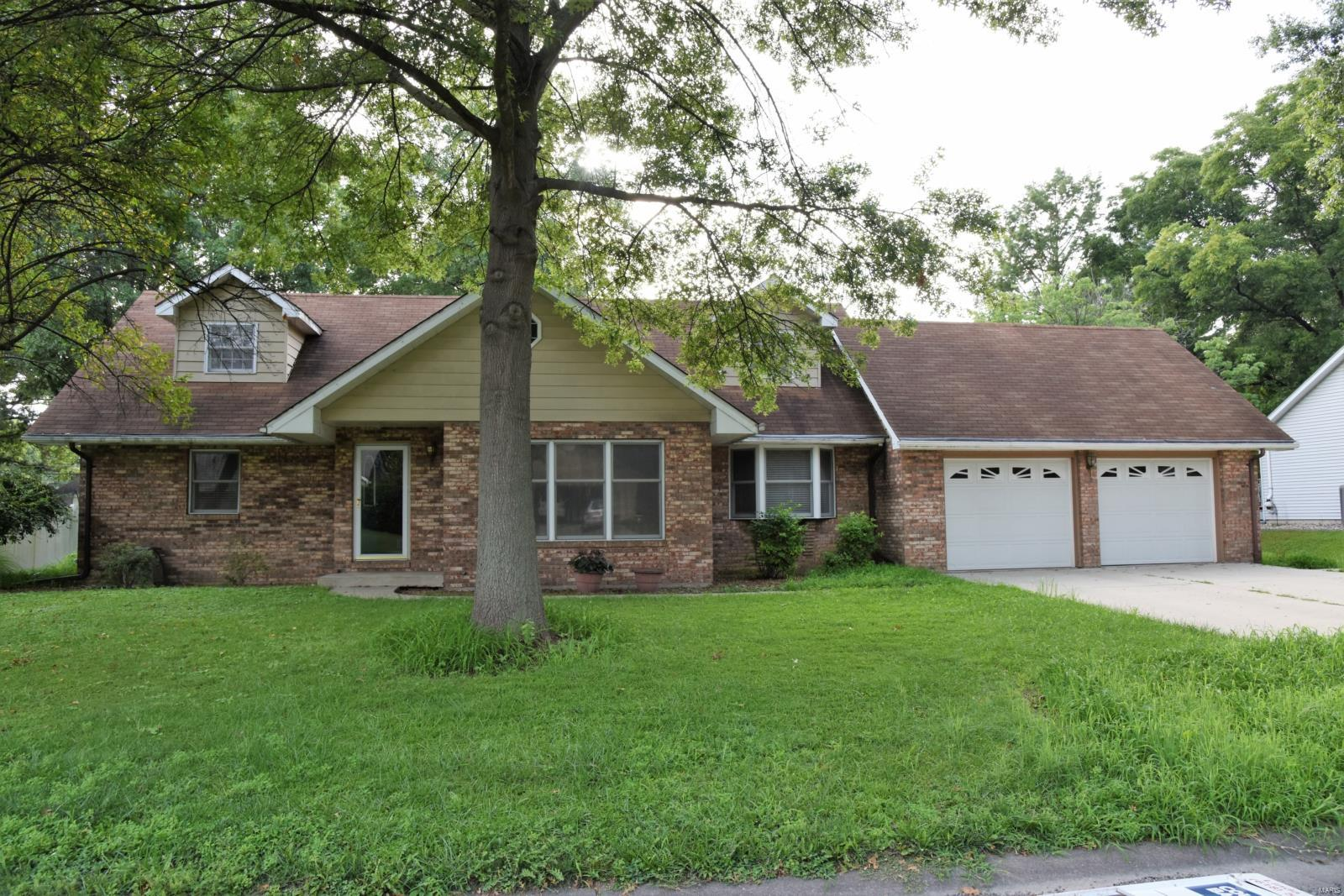 407 North Jackson Street, Mascoutah, IL 62258