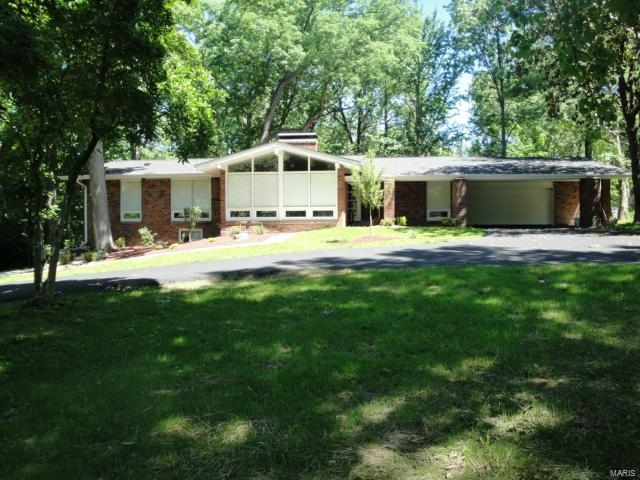 13427  Conway Road, Town and Country, MO 63141