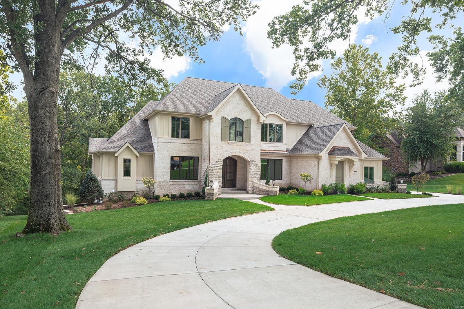 2488 Oak Springs Lane, Town and Country, MO 63131