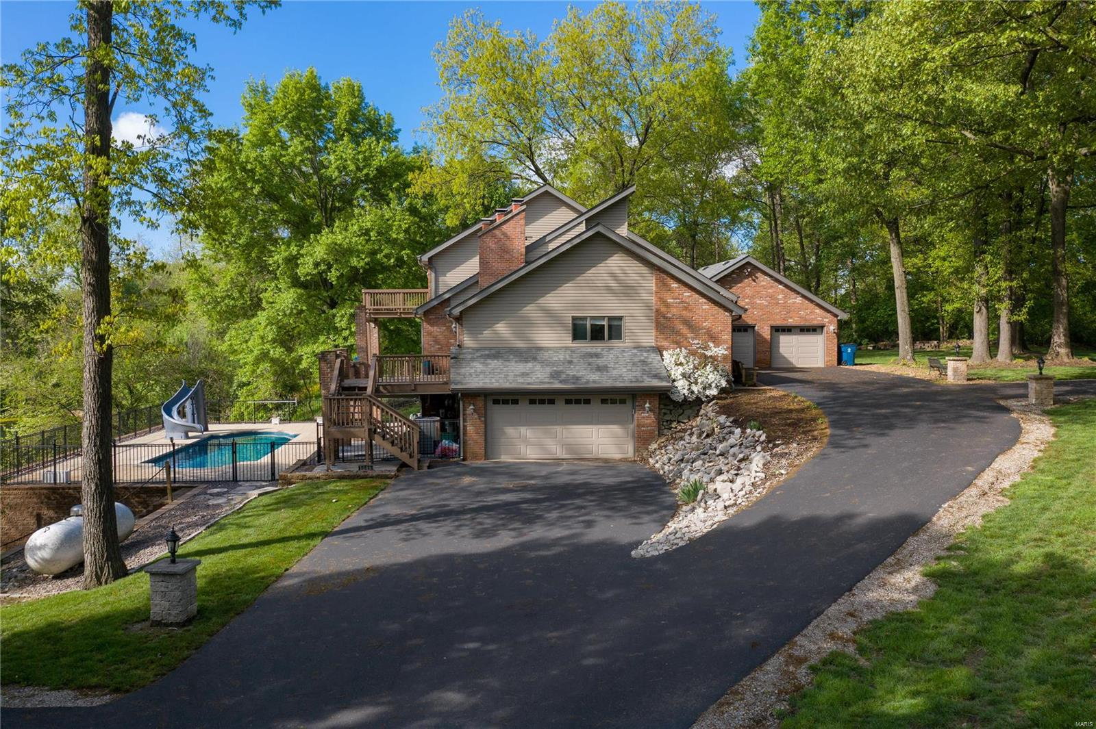 1519 Laketop Drive, Fairview Heights, IL 62208