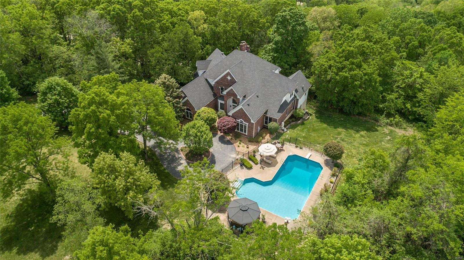 19209 Saint Albans Forest Drive, Wildwood, MO 63038