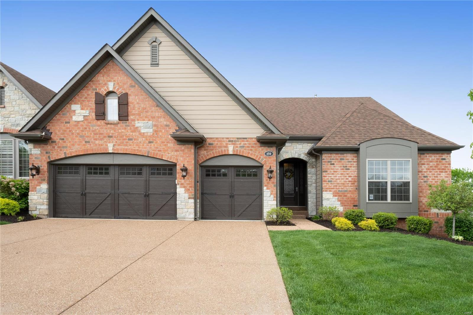 159 Kendall Bluff Court, Chesterfield, MO 63017