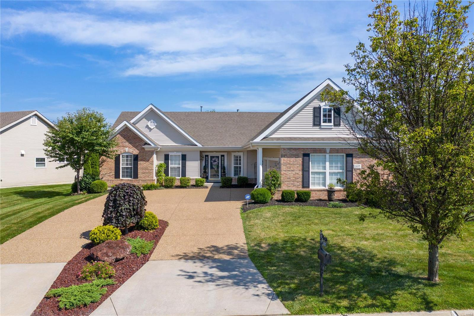 1037 Pearview Drive, St Peters, MO 63376