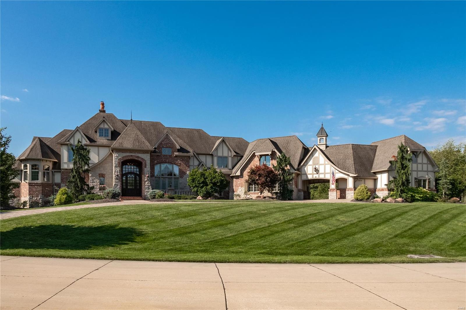 42 Pacland Estates Drive, Chesterfield, MO 63005