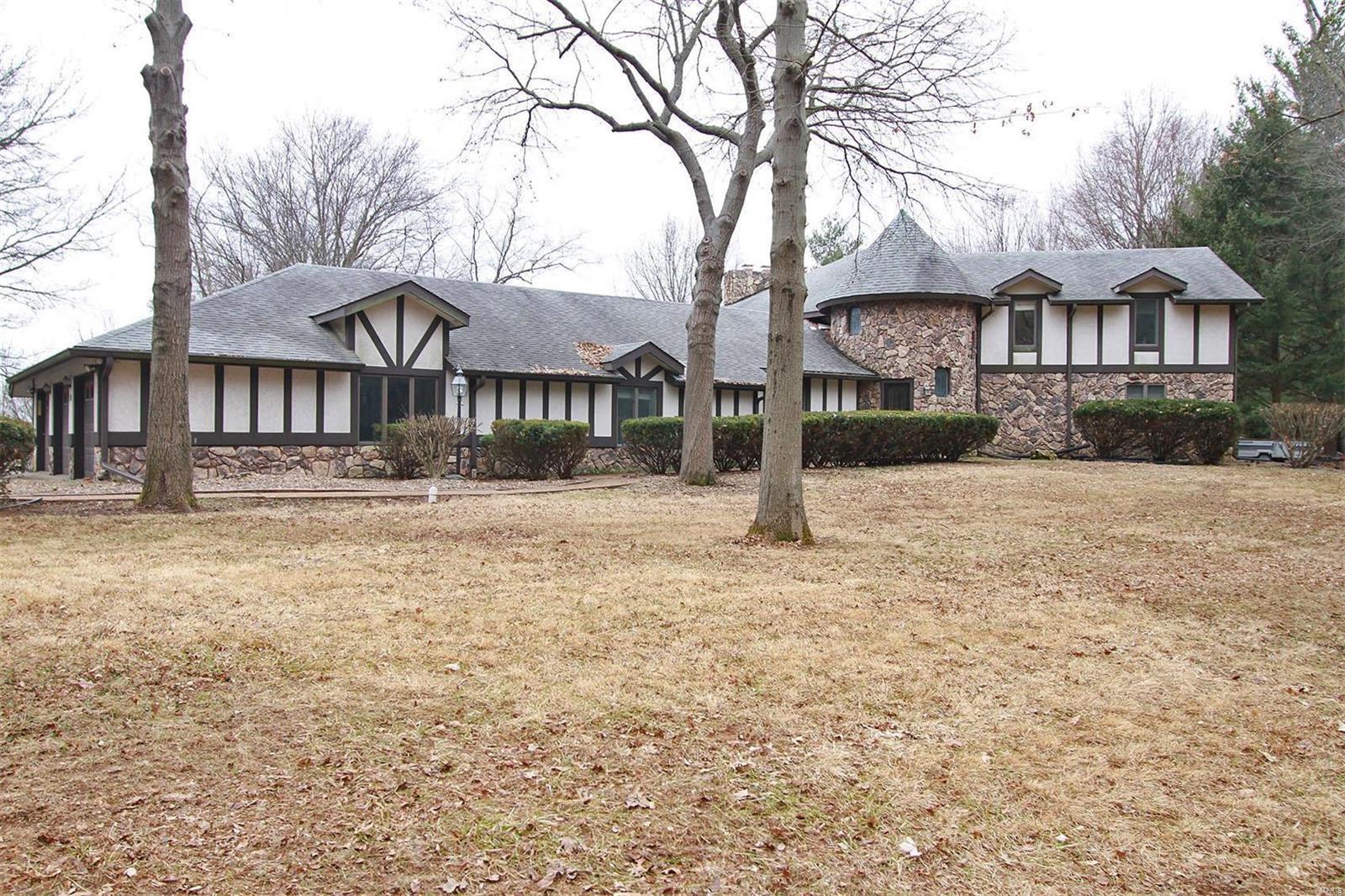 10 Phillips Lane, Shiloh, IL 62221