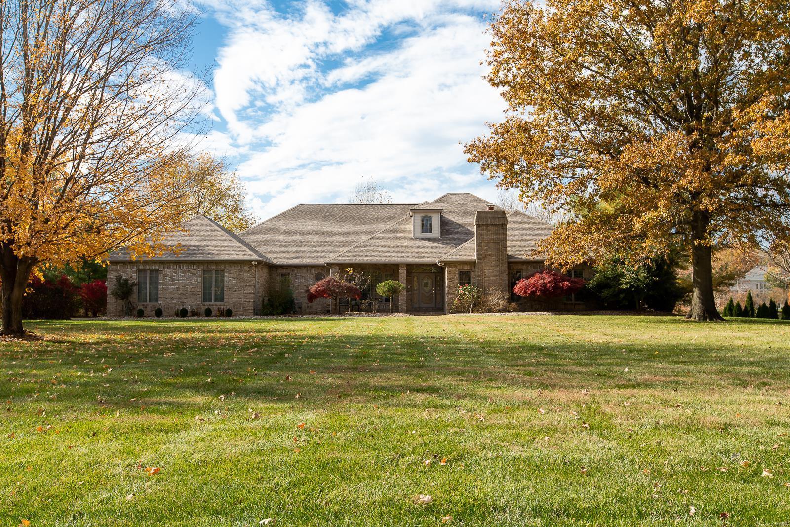 529 Waters Edge E Drive, Shiloh, IL 62221
