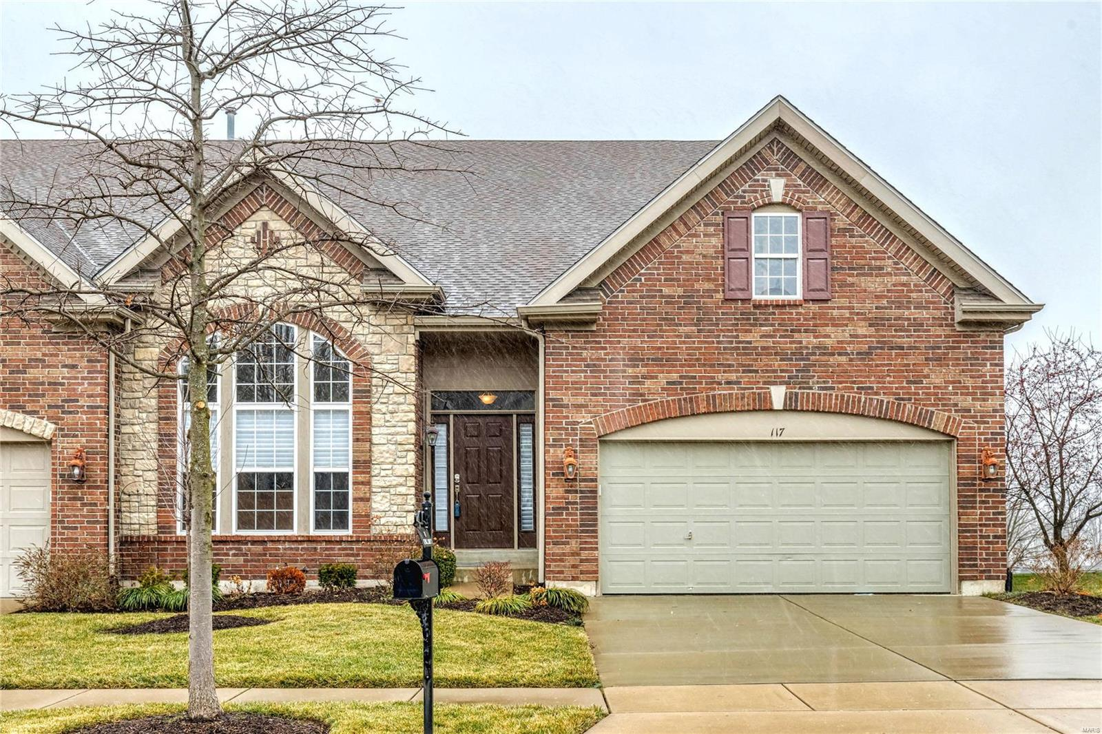 117 Kendall Bluff Court, Chesterfield, MO 63017