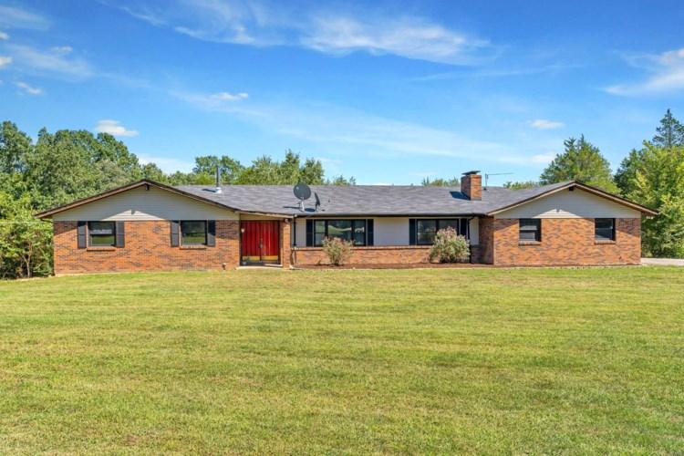 8598 Chapel Hill Farms Road, Dittmer, MO 63023
