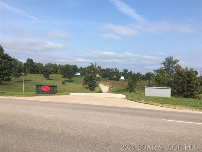 406 Cougar Drive, Laurie, MO 65037