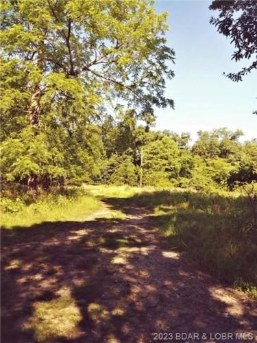 Glenmeadows Lane, Linn Creek, MO 65052