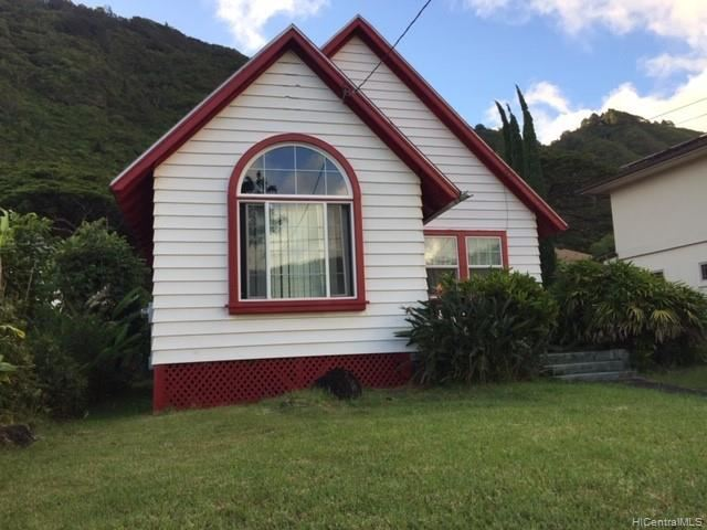 3028  Manoa Road, Honolulu, HI 96822