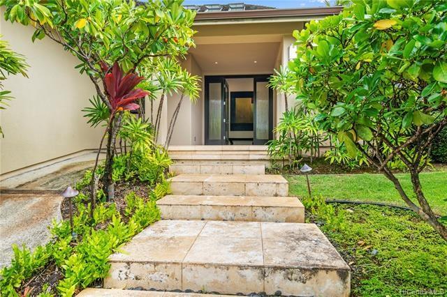 1220  Koloa Street, Honolulu, HI 96816