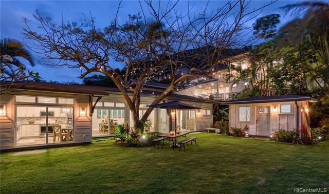 1543  Aalapapa Drive, Kailua, HI 96734