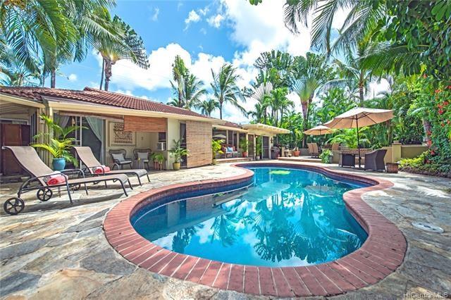 939 N Kalaheo Avenue, Kailua, HI 96734