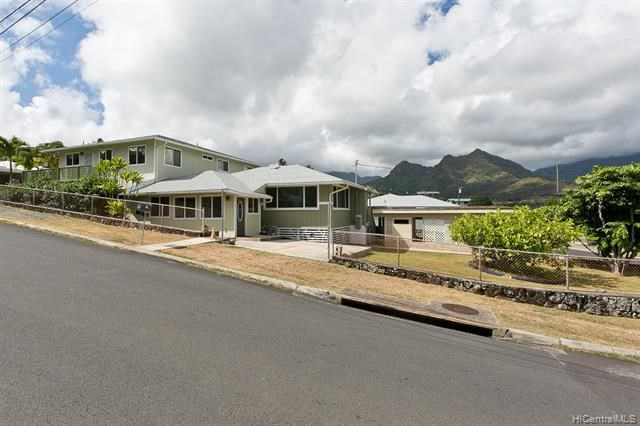 1105  Nanialii Street, Kailua, HI 96734