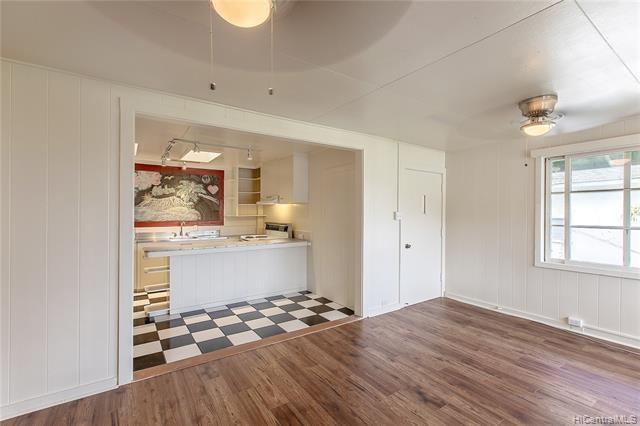 1649-A  10th Avenue, Honolulu, HI 96816