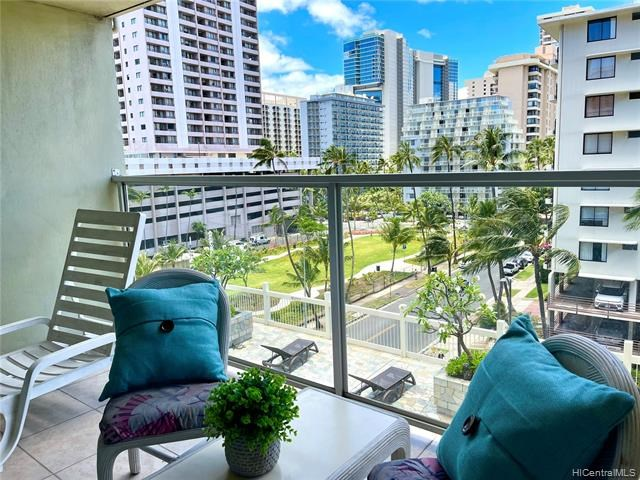 445  Seaside Avenue, Honolulu, HI 96815