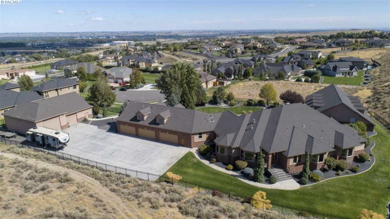 1133 Stallion Pl, Richland, WA 99352