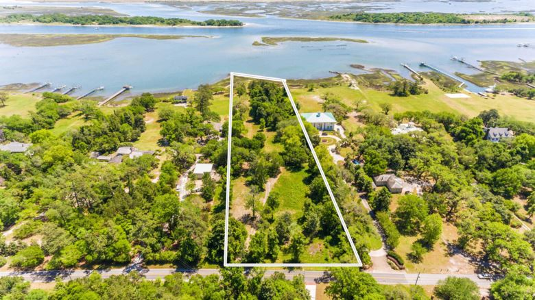 7420 Masonboro Sound Road, Wilmington, NC 28409